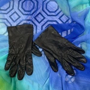 Lord & Taylor Soft Black Leather Gloves - Size 8
